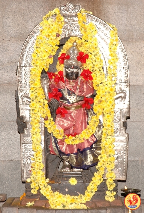http://www.sringeri.net/wp-content/uploads/2009/09/sri-bhavani.jpg