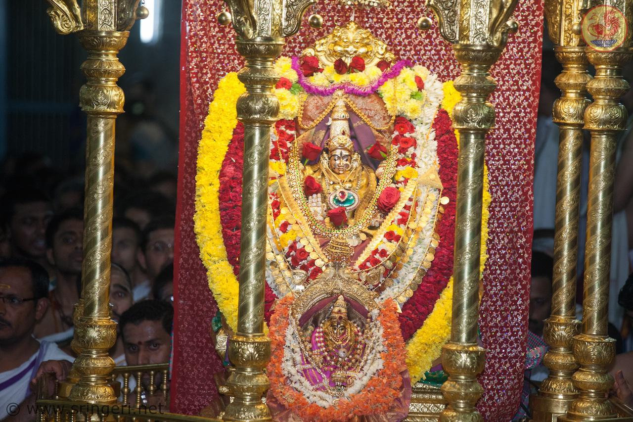 Sri Sharadamba Utsava Murti in Dindi Utsava